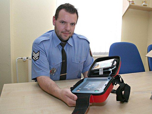 BATERIE udrží podle Petra Limprechta přístroj v pohotovosti až čtyři roky.