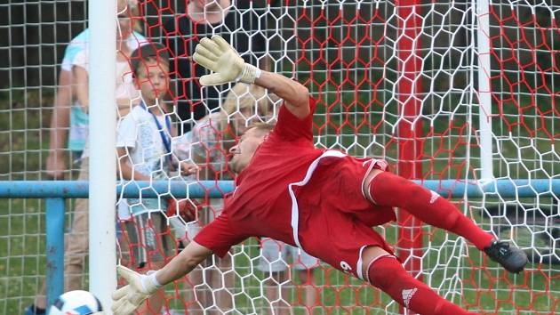 Proboštov vyřadil divizní Neratovice z poháru po penaltovém rozstřelu.