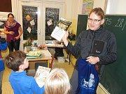Přírodovědná soutěž pro týmy prvního stupně základní školy, kterou připravilo Regionální muzeum Mělník ve spolupráci se Správou CHKO Kokořínsko, má svého vítěze.