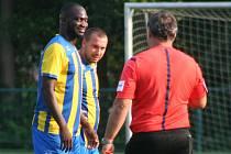 Na rozdíl od pohárového utkání s Lysou měl Abayomi Obusanya a s ním i celý byšický tým o víkendu důvod k úsměvu. Právě on pečetil domácí výhru nad Starou Boleslaví.