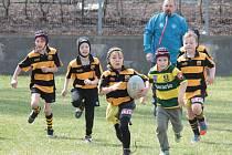 Na hřišti Rugby clubu Kralupy nad Vltavou v kralupských Mikovicích zahájili hráči v kategoriích do sedmi a do devíti let jarní část sezony.