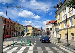 Další dva rizikové přechody pro chodce v Krombholcově a Fibichově ulici jsou nyní bezpečnější pro obyvatele a návštěvníky Mělníka.