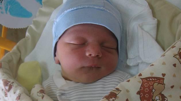 Michael Morávek se rodičům Martině a Romanovi z Mělníka narodil v mělnické porodnici 24. března 2015, vážil 3,68 kg a měřil 53 cm.
