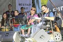 Kapela The Tap Tap na svém pražském Koncertu proti strachu.