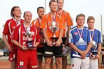 Benešovský Šacung dokázal po 31letém čekání ovládnout mistrovství republiky mužských dvojic. Postarala se o to sestava s Jiřím Doubravou, Jiřím Holubem a Petrem Stejskalem.