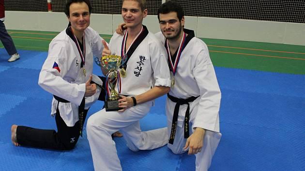 Mělnický klub Taekwondo Hansoo letos pořádal ve sportovní hale Bios už devatenáctý ročník tradičního Hansoo Cupu.