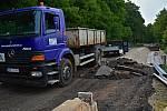Poslední srpnový týden započaly v Kralupech nad Vltavou úvodní práce na opravě silnice ke hřbitovu.