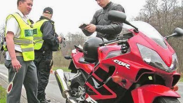 Motorkáři se brání, že jim kazí pověst pár bezohledných jedinců.