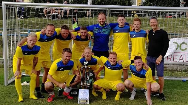 Kuželkáři obhájili prvenství na letním turnaji v Doksech.