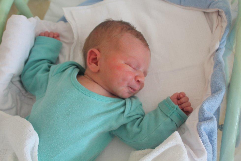 Tobiáš Bárta, Zamachy. Narodil se 5. 6. 2019, po porodu vážil 3830 g a měřil 52 cm. Rodiče jsou Karel a Markéta Bártovi. Má také sestru Nelinku.