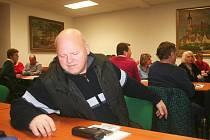Valné hromady se zúčastnila těsná nadpoloviční většina 32 delegátů.
