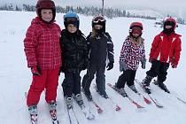 Letošní jarní prázdniny strávily některé děti z Mělnicka v zasněžených Krkonoších