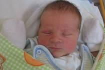 Petr Filák se rodičům Monice a Petrovi z Hoštky narodila 16. prosince 2011, vážil 3,48 kg a měřil 52 cm.