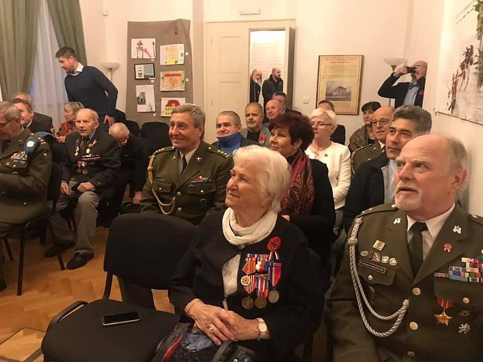 Ze setkání s válečnými veterány v Památníku národního útlaku a odboje v Panenských Břežanech.