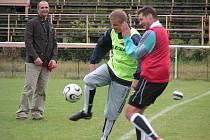 Fotbalisté FC Mělník se svého soupeře nedočkali, tak si alespoň s chutí zatrénovali.