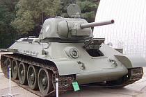Sovětský tank T-34/76 vz. 1942/43, který stával v Mělníku, v lešanském muzeu kompletně zrekonstruovali.
