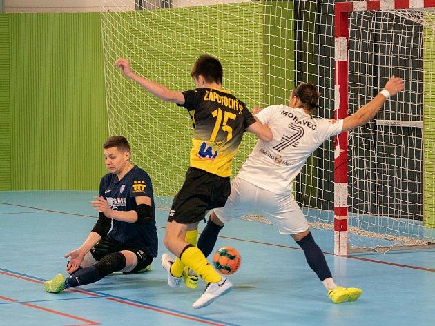 Futsalisté Olympiku Mělník porazili vdohrávce 9.kola 1.ligy Rapid Ústí nad Labem 5:4.