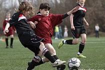 Z utkání ligových starších žákyň FC Mělník