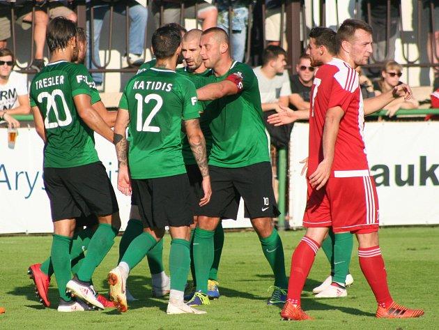 MOL Cup: Zápy - Příbram (v zeleném) 1:4.