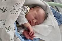 Kristián Gondek se narodil 3.3.2020 s vahou 3260g a 48cm. Do Neratovic si ho povezou Renata a Jan Gondekovi. Na brášku se doma těší Beatka.