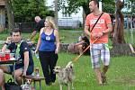 První ročník charitativního pochodu na pomoc opuštěným zvířatům z mělnického útulku.