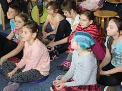Noc s Andersenem, mezinárodní akce k podpoře dětského čtení, se konala také v neratovické městské knihovně.