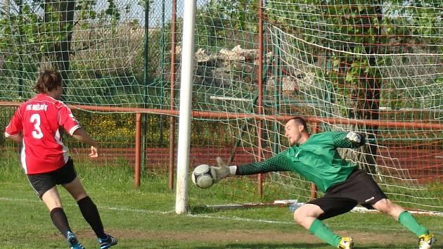 I. B: Vysoká - FC Mělník (v červeném)