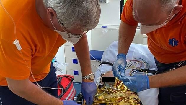 Záchranáři zajistili život batolete.