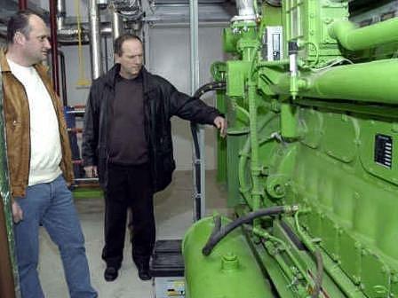 Luděk Dohnalík (vlevo) je myšlenkou vybudování kotelny na biomasu nadšený.