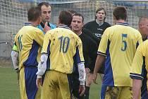 Zálezlický kapitán Šobr měl rozhodčímu Hamplovi co říct už při utkání v Hoříně, kde na sebe oba narazili.
