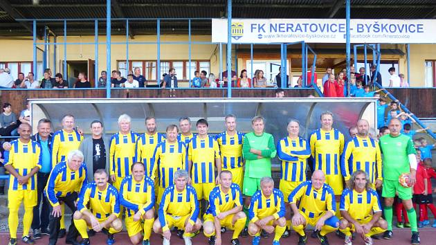 Stará garda Neratovic si v rámci oslav stého výročí založení klubu zahrála exhibiční utkání s internacionály ČR.