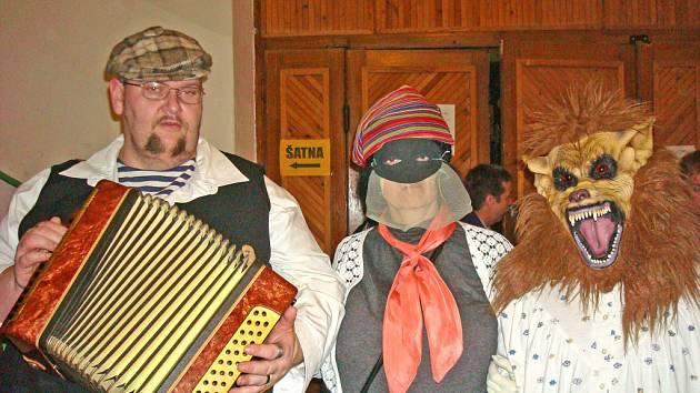 Na maškarním plese ve Mšeně bylo veselo