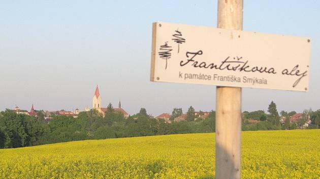 Setkání ve Františkově aleji k ročnímu výročí od jejího otevření.