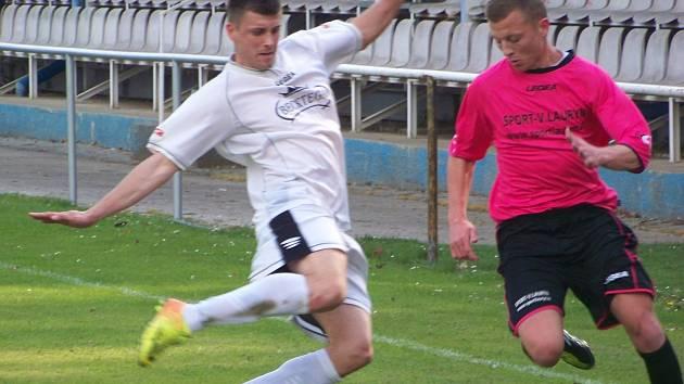 I. B třída: Horky n. J. - FC Mělník (v bílém)