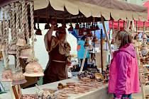 Na mělnickém náměstí Míru pokračují stejně jako minulý rok až do podzimu každou sobotu mezi osmou hodinou a polednem farmářské trhy.