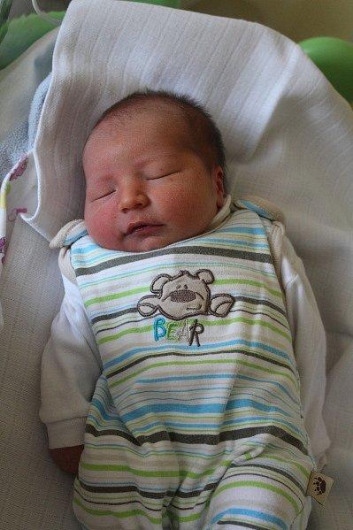 ONDŘEJ ŘEŘICHA se rodičům Adéle a Vítovi z Kralup narodil 20. srpna 2017 v mělnické porodnici, vážil 2,89 kilogramu a měřil 47 centimetrů. Doma se na něj těší 9letý Matouš, 20letý Vít a 19letá Klára.