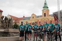 Účastníci Cyklo-běhu za Českou republiku bez drog.