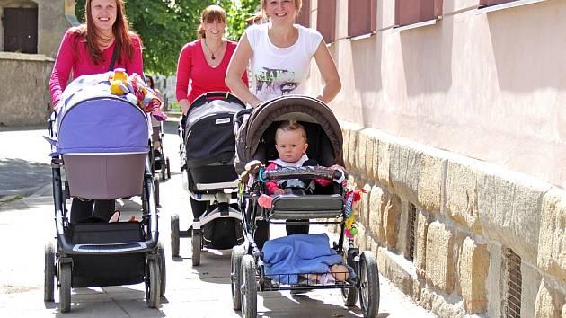 Třetí mělnický Speed Walking pro maminky s kočárky vedl na Vysokou.
