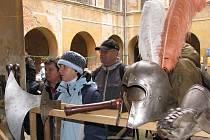Středověké vánoce na nádvoří zámku v Dolních Beřkovicích
