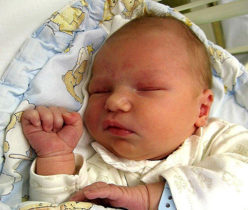 Tomáš Sabo se rodičům Petře Svobodové a Mariánu Sabovi z Byškovic narodil 11. listopadu 2009, vážil 4,11 kg a měřil 51 cm.