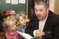 Pepa Melen navštívil děti v kralupské školce v ulici Generála Klapálka.