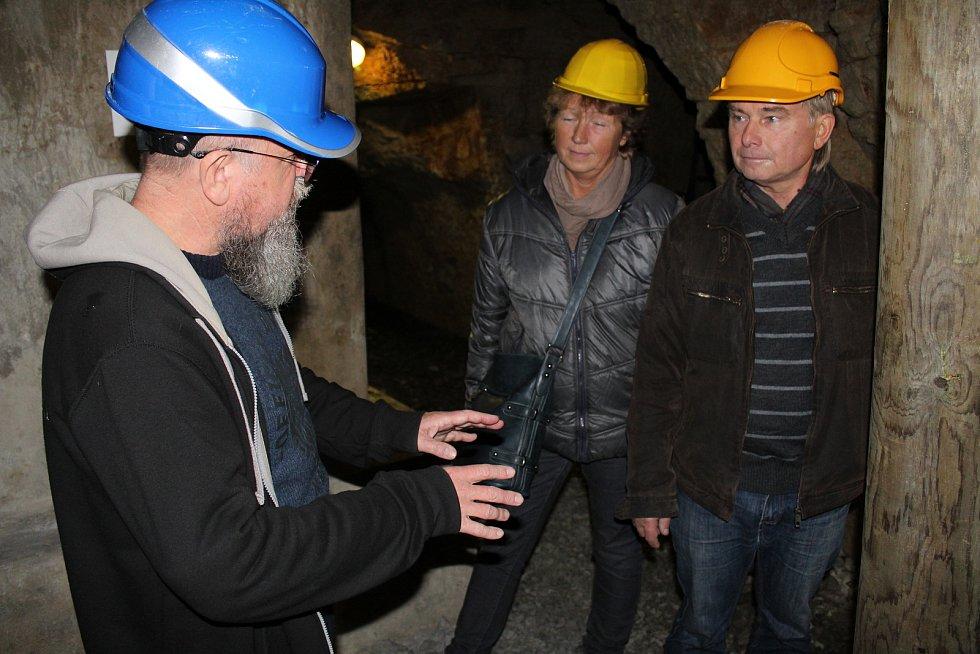 Mělnické podzemí láká k prohlídce. Široké veřejnosti je zpřístupněna část podzemní zrekonstruované chodby vedoucí ke studni. Ta je hluboká 54 metrů. Jedná se o nejstarší známou studnu v celém Česku.