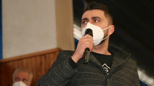 Předseda FK Neratovice-Byškovice Vladimír Kaňka na nedávné volební valné hromadě OFS