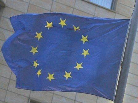 I MALÝM  UNIE  PROSPÍVÁ. Členství Česka v Evropské unii přineslo výhody nejen velkým, ale i malým a středním firmám. Má však i své pihy na kráse.
