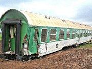 Vykolejený vlak u Vraňan.