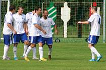 Sokol Libiš (v bílém) - SK Český Brod (2:0); 4. kolo divize B; 29. srpna 2015