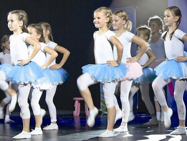 Malé tanečnice z Roxtonu.