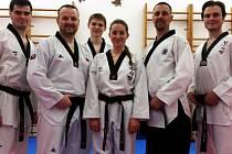 Držitelé mistrovských pásků. Zleva: Jan Mládek, Michal Moca, Zdeněk Doležal, Anna Miškovská, Martin Moták a Martin Řehák.