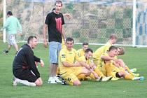 TJ Kly (ve žlutém) - AFK Veltrusy; 3. kolo okresního přeboru; 24. srpna 2014