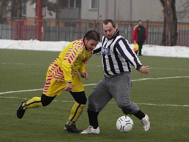Zimní turnaj v Neratovicích: Veltrusy - Byšice